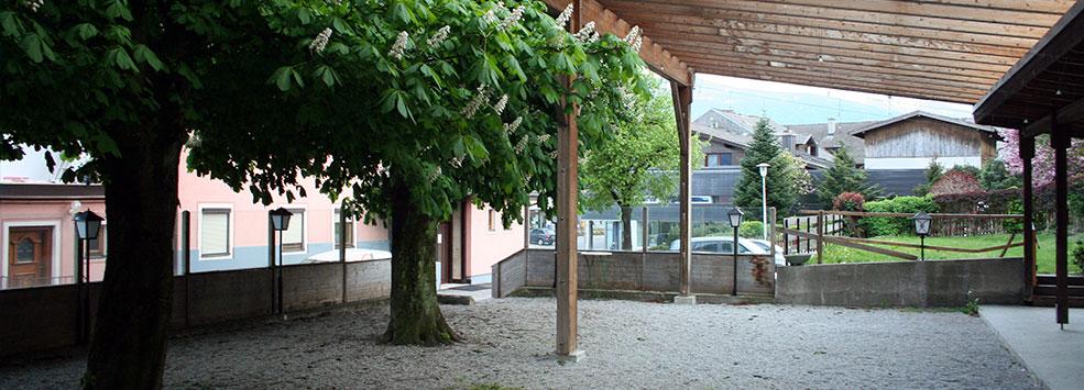 slide2-biergarten